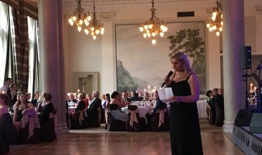 Lisa Turan giving a speech at Digby Brown's Fundraising dinner for Child Brain Injury Trust